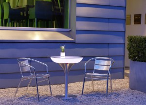 bord-lysande-lounge-M-Led-loungebord-utomhus-75cm